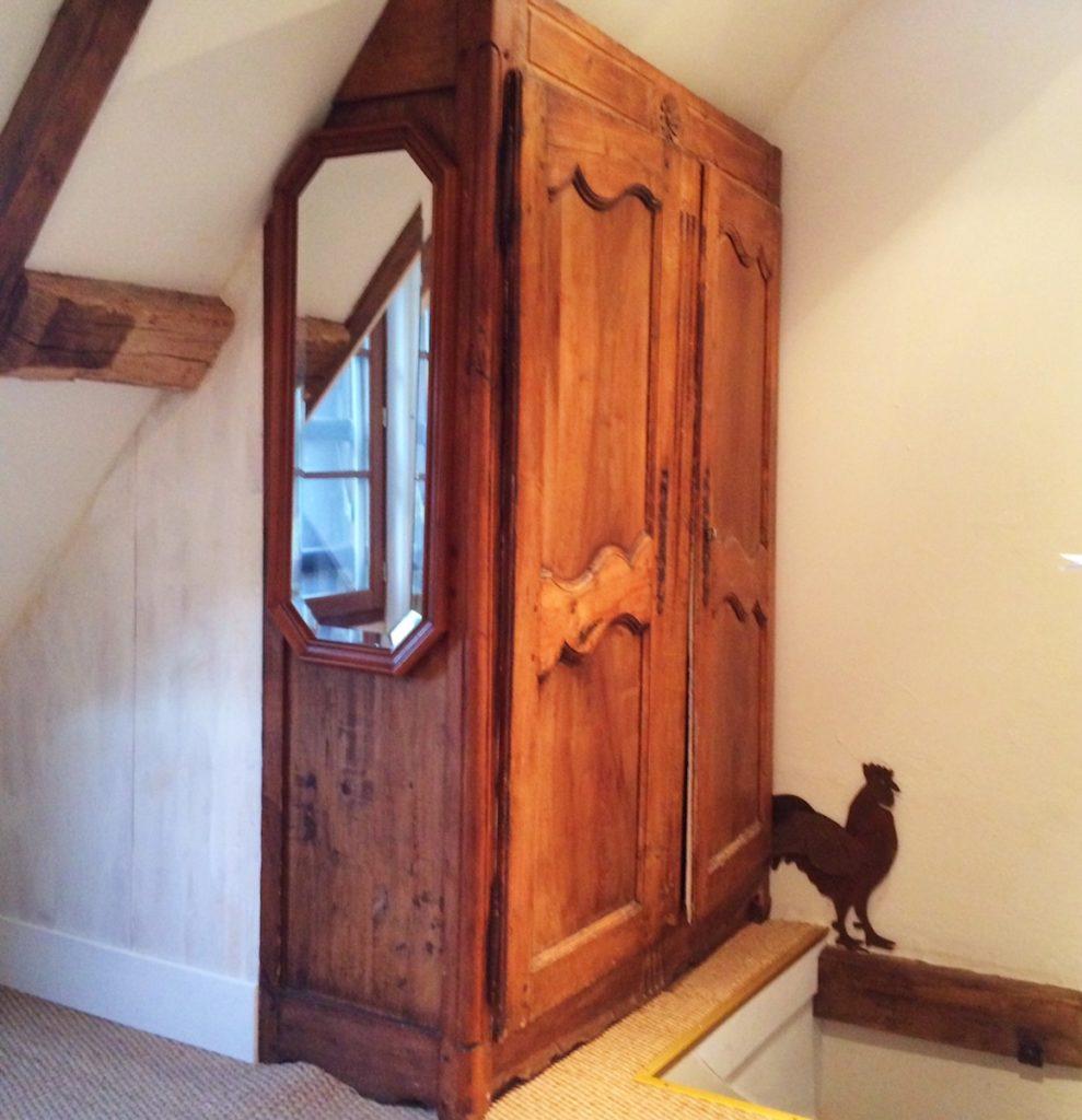 Amboise cottage closet